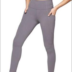 NWOT Athleta stash pocket salutation legging